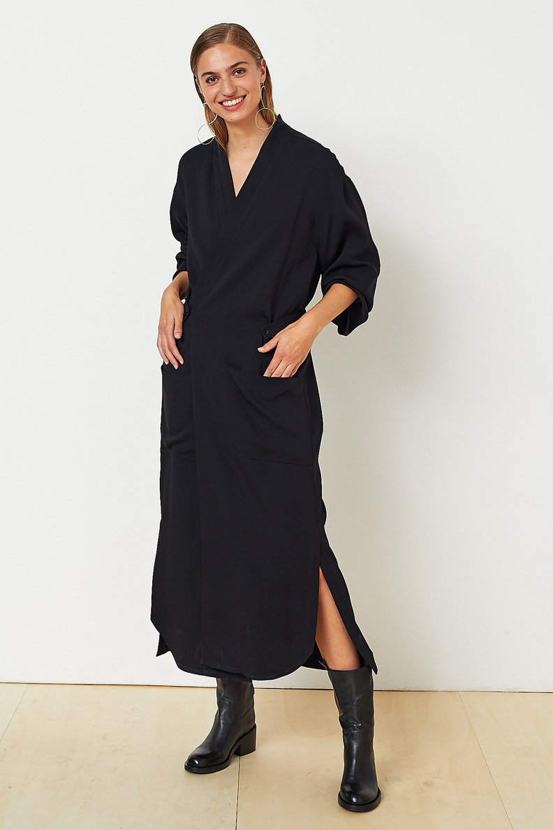 monique van heist kimono black stretch