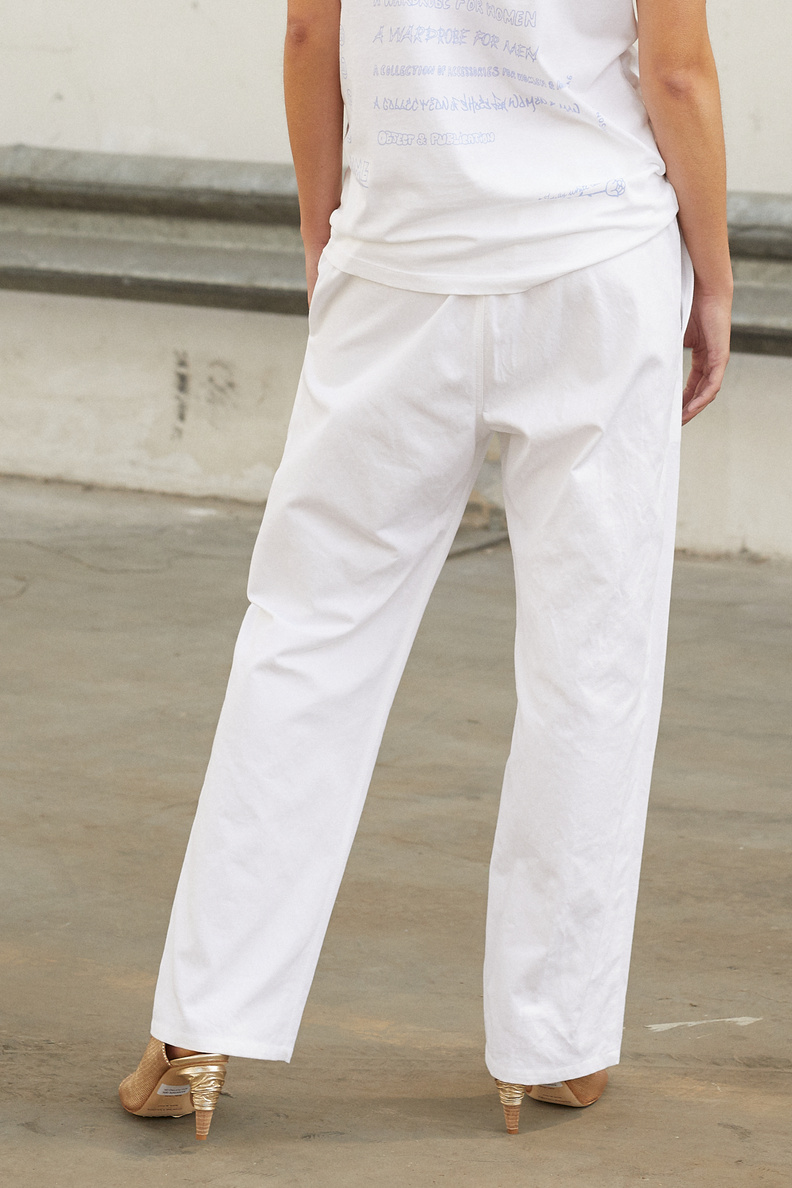 monique van heist pj worker plain white