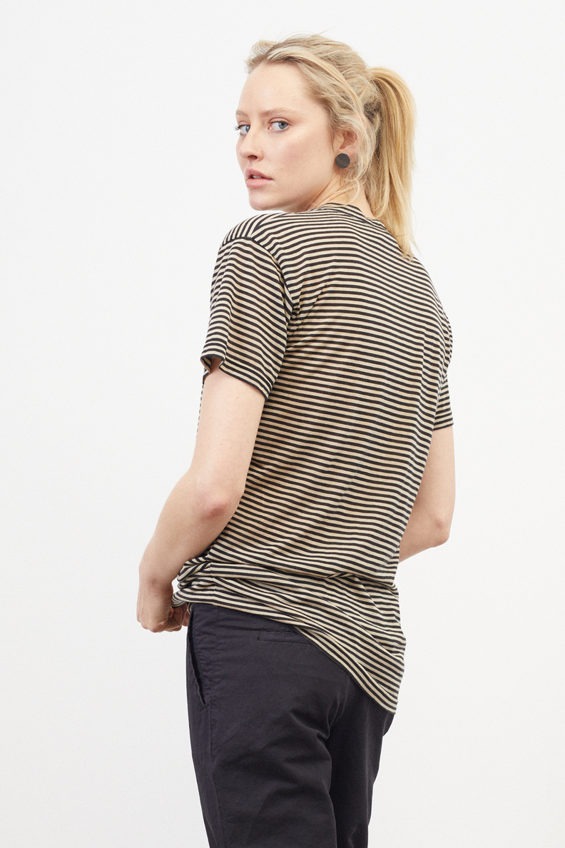 monique van heist boy black sand stripe jersey