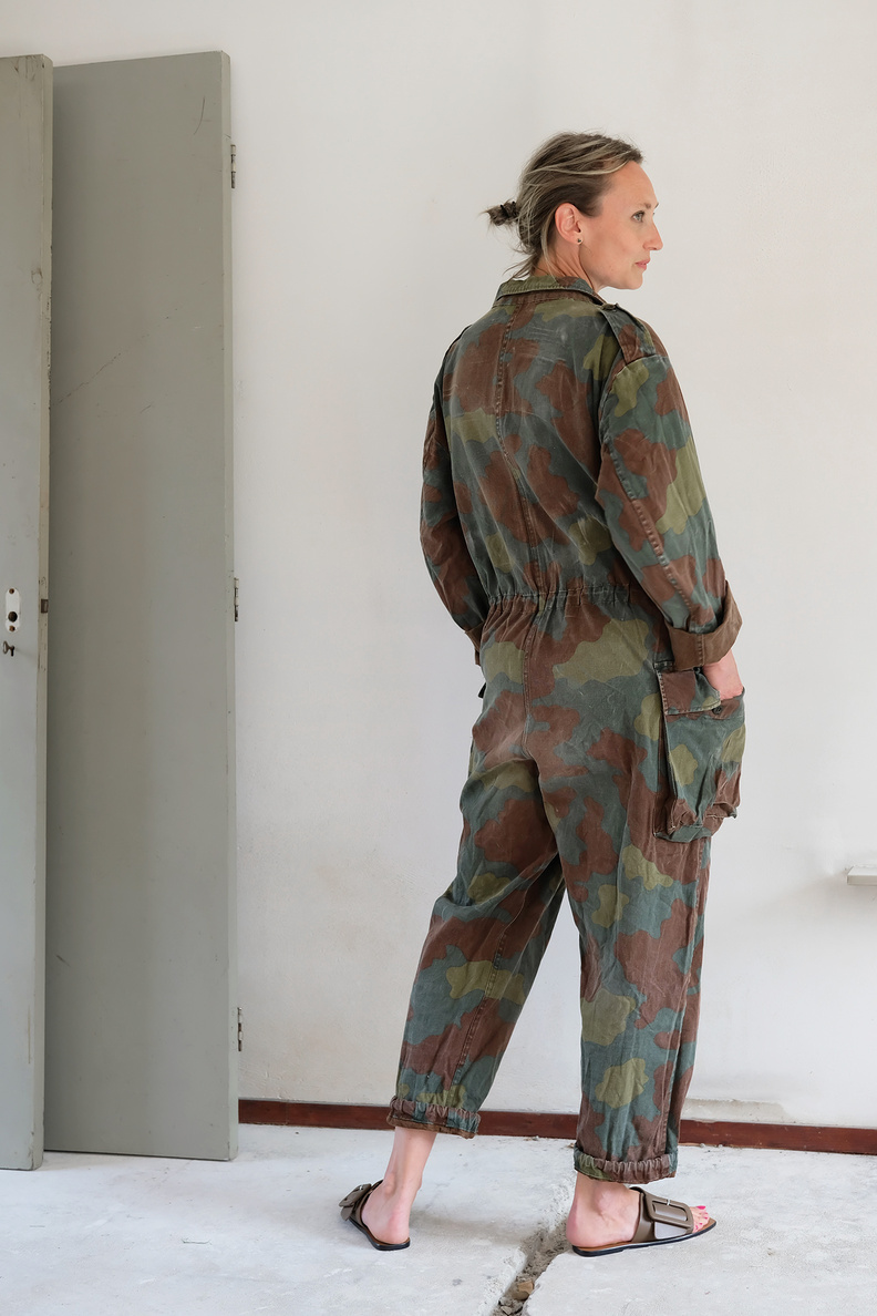 s a n s a n coverall 039