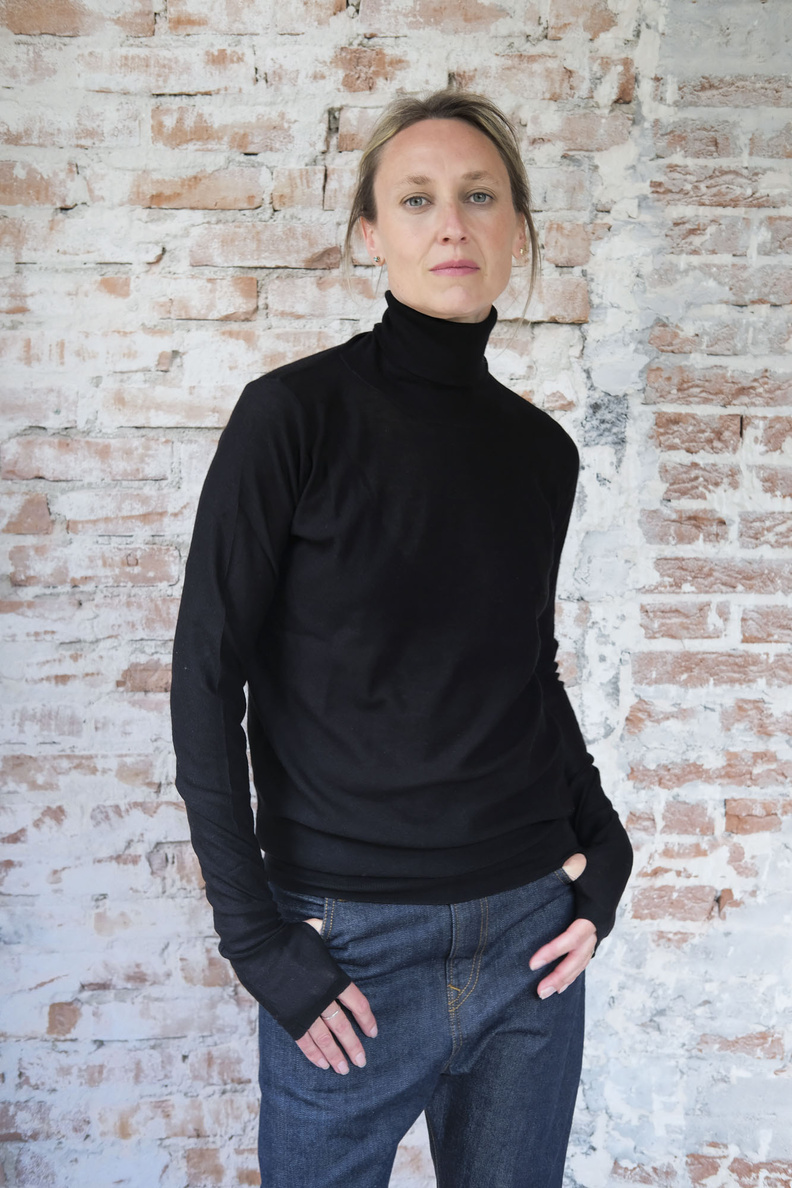 so good to wear brussels classic turtle neck black