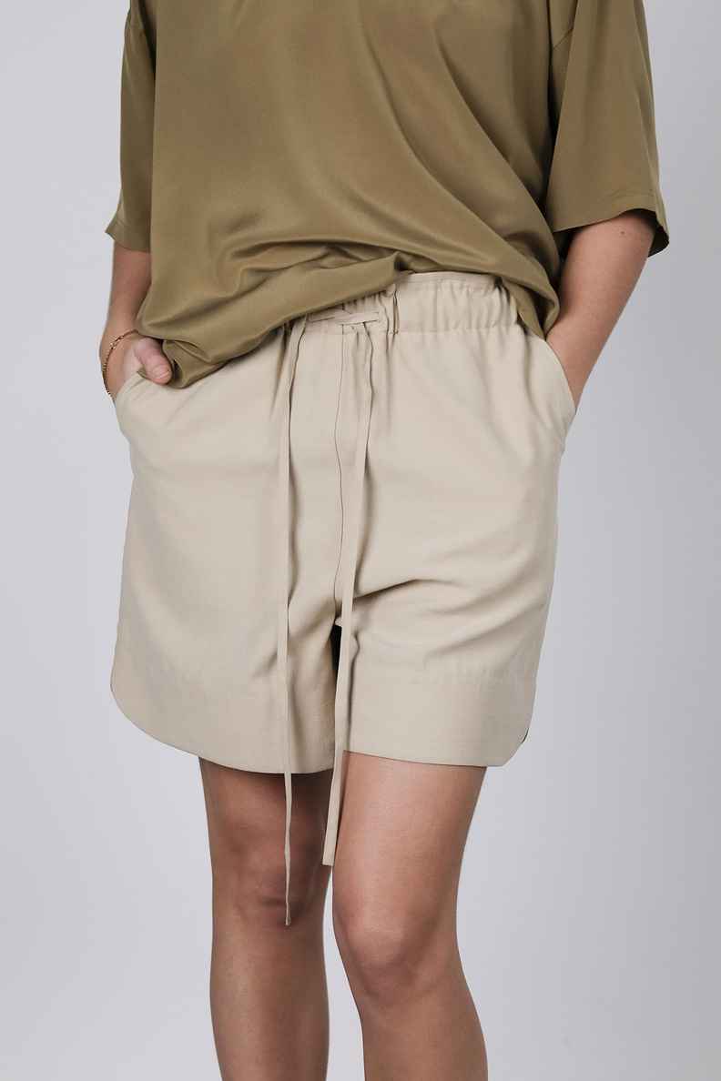 rodebjer mila shorts beige