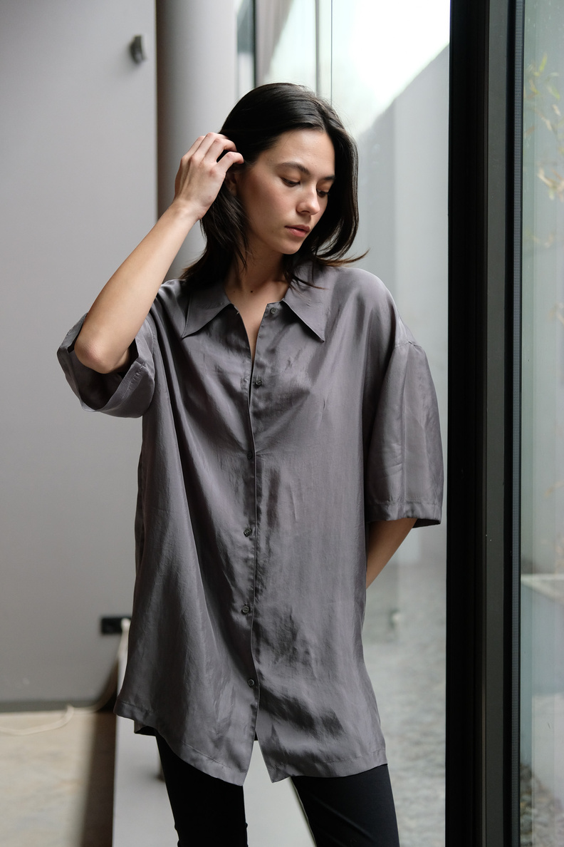 amomento half silky shirt blue grey