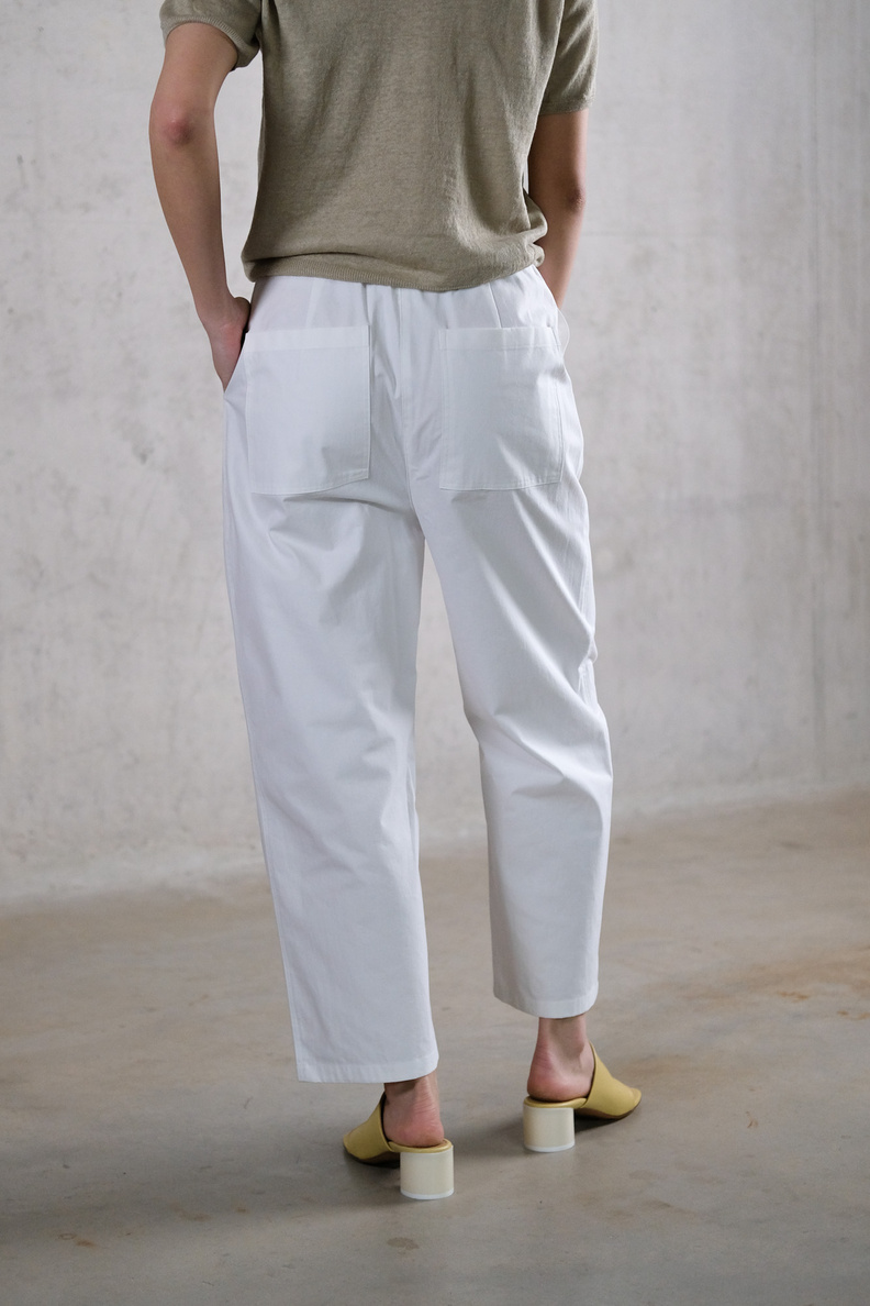 amomento square pocket pants white